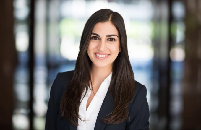Chanell Khosrowabadi- Associate - Los Angeles